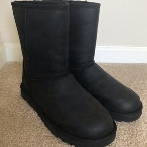 100% Authentic UGG Classic Black Leather Boots SZ9